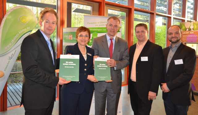 v.l. Jan Kuhlmann, Dr. Angelika Kordfelder, Johannes Remmel, Guido Wermers, Yassine Mokdad